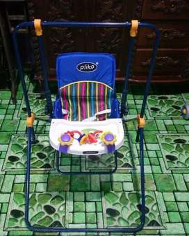Kursi makan ayun balita