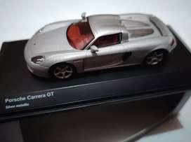 Kyosho Porsche Carrera GT silver skala 1:64