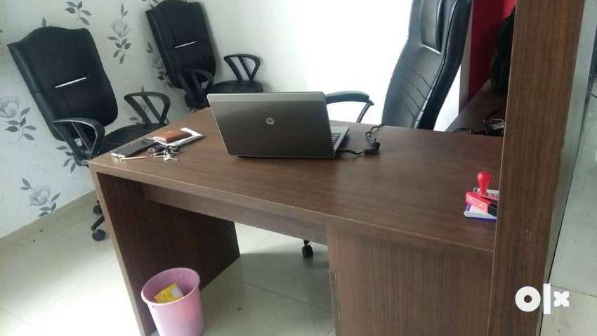 400sft fully furnished office in vadodara 0