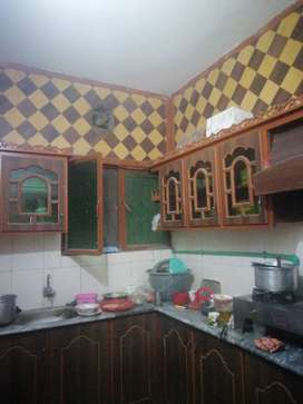 Well furnished house 4 bedrooms  5 bathroom 2  kitchen car poch