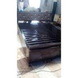 Queen size hydrolic metal bed