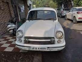 Hindustan Motors Ambassador Classic 1800 ISZ MPFI, 2005, CNG & Hybri..