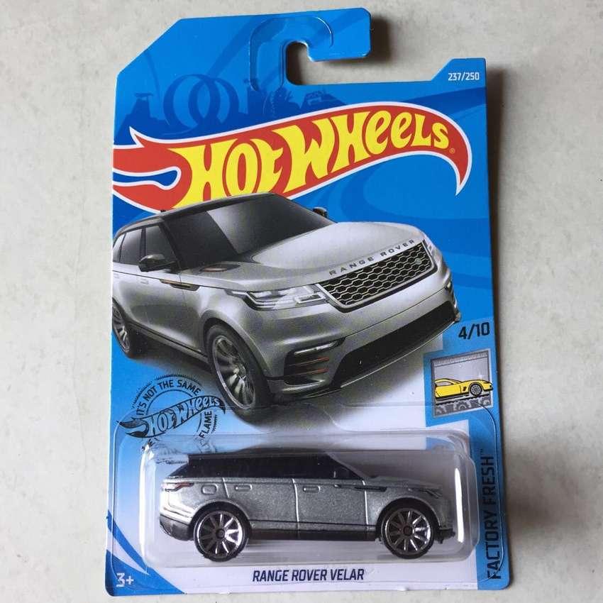 Hot wheels / hotwheels Range Rover Velar Hitam 0