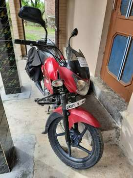XCD 125 CC red 1 owner new both new tire battery full paper complete