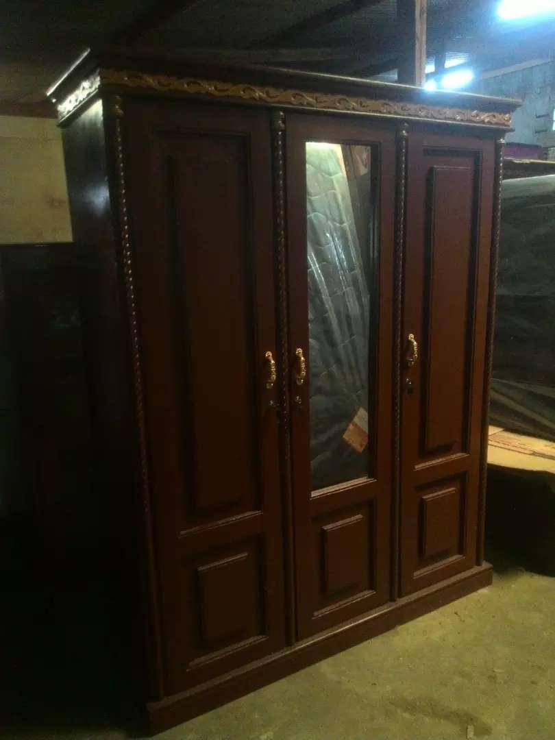 lemari baki triplek rangka kayu 3 pintu 140x50x190 0