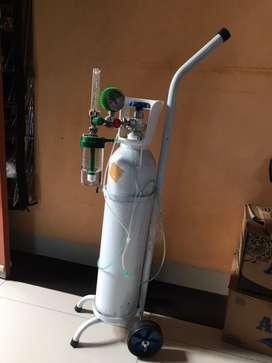 Tabung Oksigen 1M3 Lengkap (Trolly, Regulator, Tabung Air)