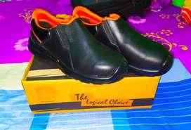Harga Untuk 2 Pasang Sepatu Safety Dr Osha & kings
