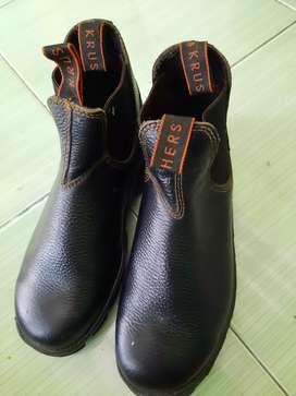 Sepatu Safety Untuk Kerja
