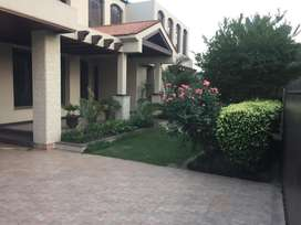 Luxury Villa In Sarwar Colony On Rent Facing Park