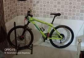 Sepeda Gunung Giant 27.5