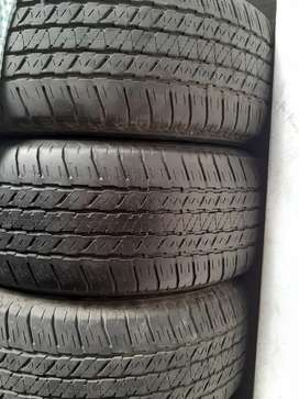 Ban new fortuner - pajero R 18 . Bridgestone