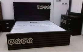 Verstyle King size bed,Bed set with class & Grace