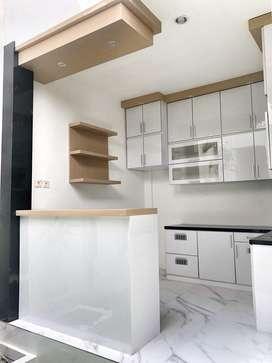 Kitchen set modern custom sesuai ruangan anda