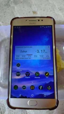 Motorola e4+ kondisi bagus, 3/32, 5000mAh,
