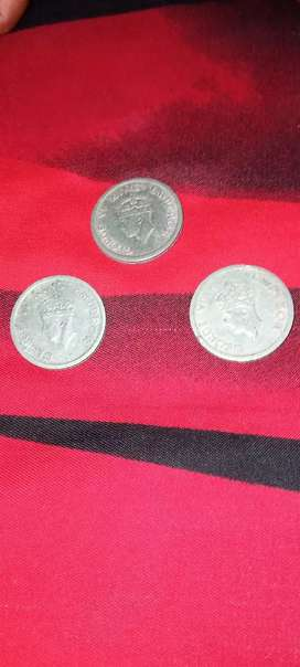 Old coin scine 1947 .  1 Rupees . 3 coin