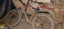 Bicycle one hero RS 3000 and one hercules