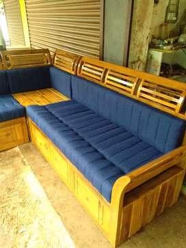 Wooden setty