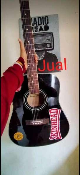 Gitar gibson akustik