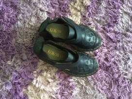 Sepatu anak laki2