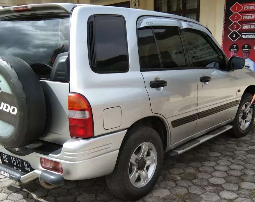 escudo 1.6 tahun 2005 0