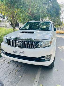 Toyota Fortuner 2015 Diesel Well Maintained