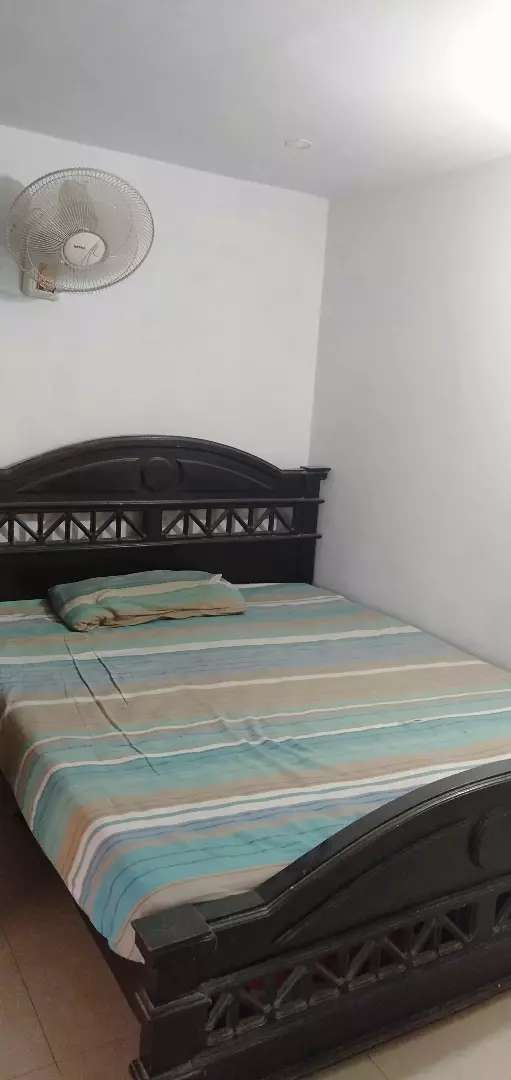 AC room available for rent 0