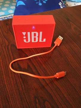 JBL GO Bluetooth speaker with mic, new condition