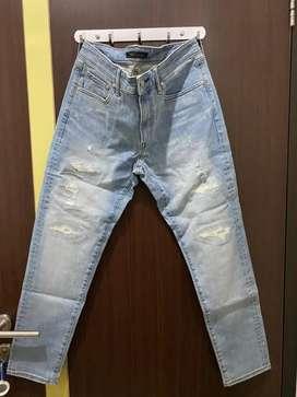 Celana jeans uniqlo size 34