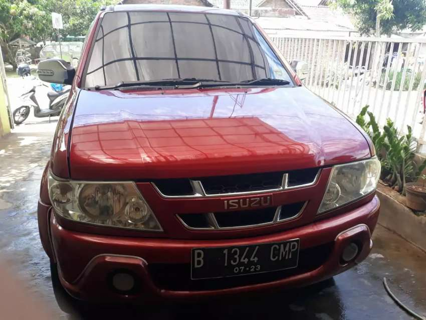 DI JUAL ISUZU PANTHER GRAND TOURING TH 2005 0