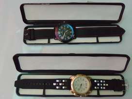 3 Gold and 2 Black Strip Watches