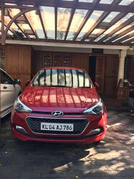 Hyundai i20 Asta(top variant) in best condition(Less km driven)