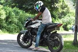 Bajaj pulsat ns 200  for sale 1more year emi left  monthly 3000 emi