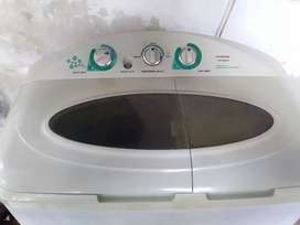 Dijual Cepat dan Murah 1 unit Mesin cuci 2 tabung Siap Pakai no servis
