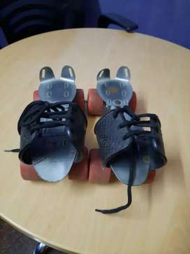 Skating pair for learners worth 2500 for only 750