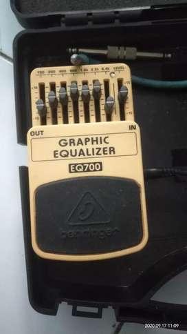 Equalizer behringer Eq700