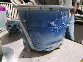 Pot Bunga antik dan Piring. pot bunga zaman jepang jajah ke indonesia.