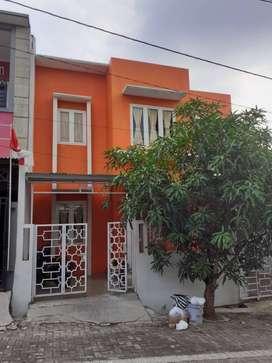 SEGERA dijual rumah dikawasan strategis Banyumanik
