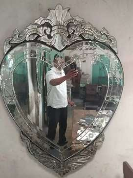 Cermin ukir antik