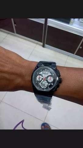 Di jual jam tangan besar dan tebal dan kaca mulus dan bersih murah