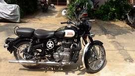 Royal Enfield classic 500 , Black color