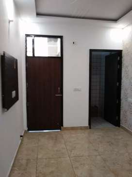 Available 3bhk flat sector 63 Chandigarh 4th floor