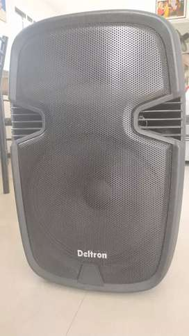 Trolly speaker 12 inchwith cordless mics for Rent Rs700only