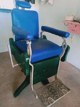 Salloon chair