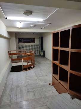 COMMERCIAL OFFICE  FOR  RESALE  IN  NATUBHAI CIRCLE (RACECOURCE)  :