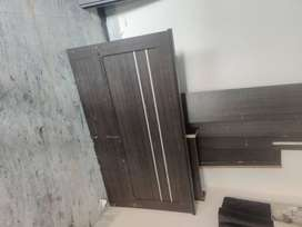 Engineering wood zuari bed in usuable condition