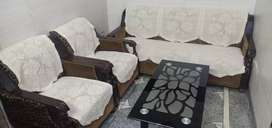 5 Seater Sofa set  with table in very good condition