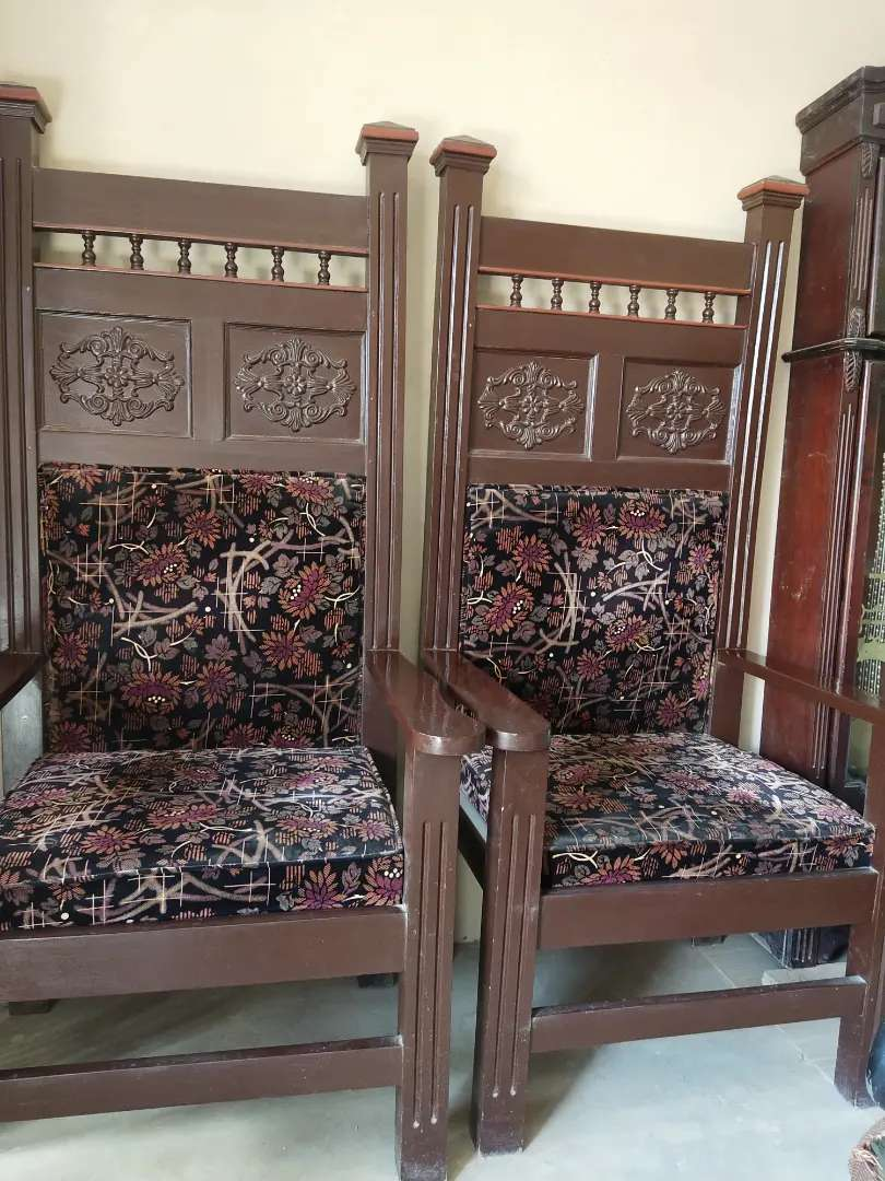High chairs for sale 0