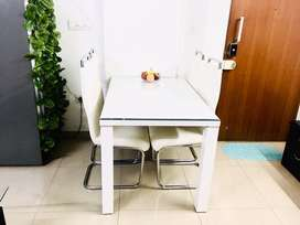 4 seater branded dining table from Home Center