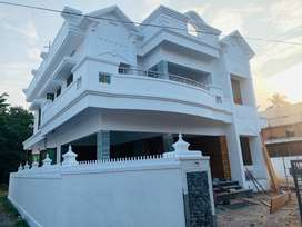 Aluva uc college 6.300cent 2600sqt 5bhk 1.30cr