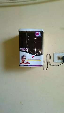 Automatic contact less Hand Sanitizer Machine